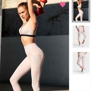 NWT. Victoria Sport Knockout Tights. Pink. XS/XP.